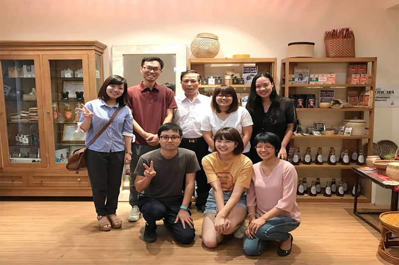 The representative of the JICA project in Ha Nam visited the showroom of VIRI