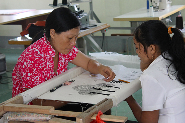 Support the integration for victims of human trafficking through setting up a Craft Cooperative in Hai Duong province