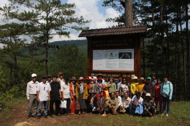VIRI organized a study tour about community-based tourism model to Bidoup National Park