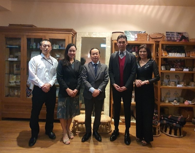 Chief Representative of JICA Vietnam Office visit VIRI's office.
